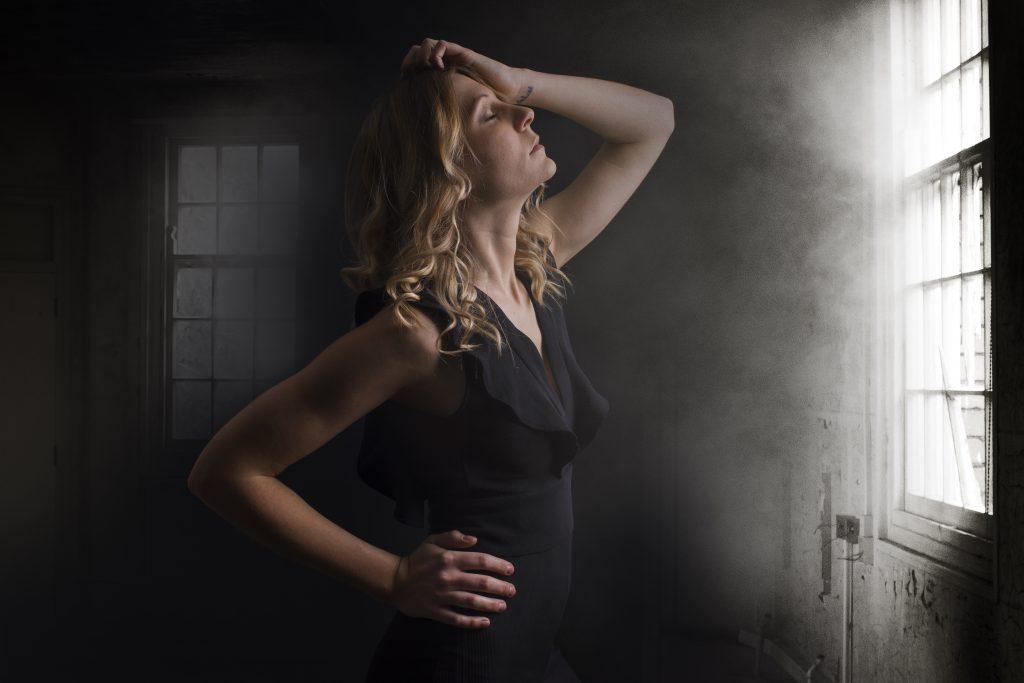 Shooting en studio sur fond noir