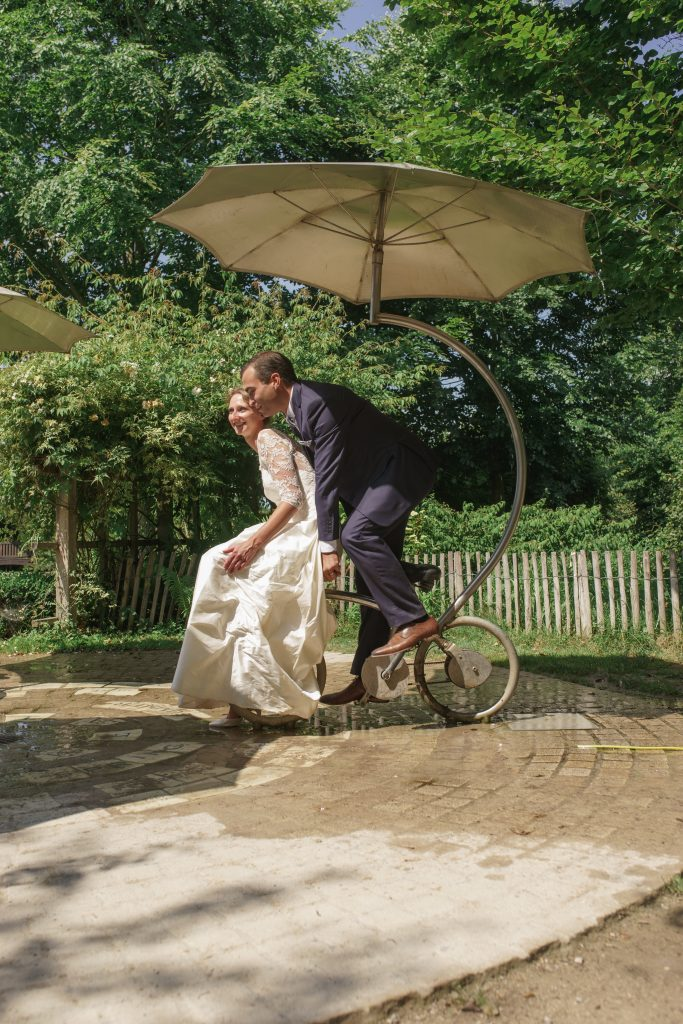 Photographe mariage Lille séance photos couple parc mosaic mariée robe costume day after trash the dress