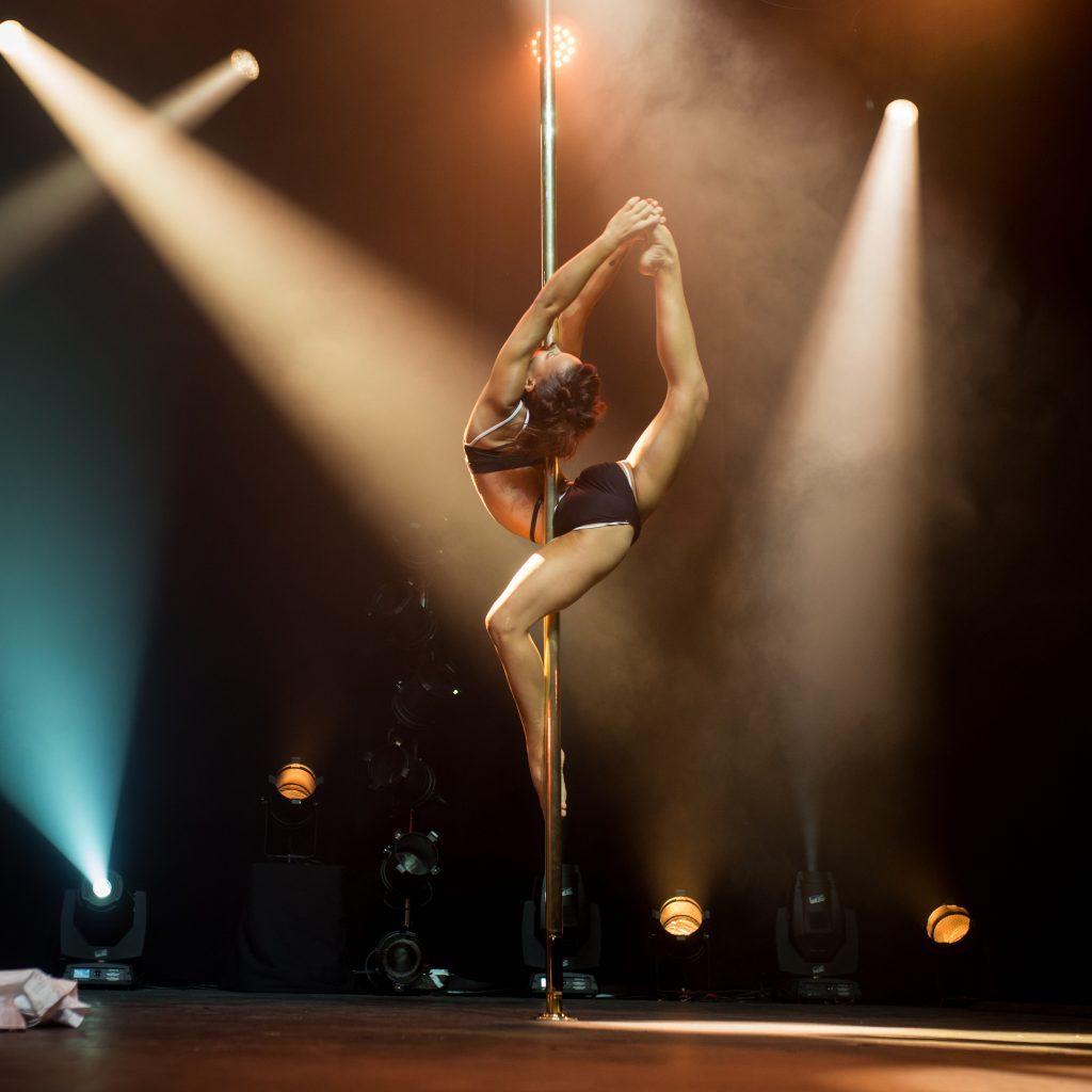 Photographe Pole Dance Laura Mété 9ème Compétition Française de Pole Dance championnat championne spectacle show scène