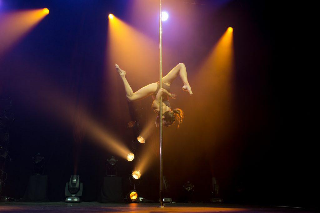 Photographe Pole Dance Marie Soler 9ème Compétition Française de Pole Dance championnat championne spectacle show scène