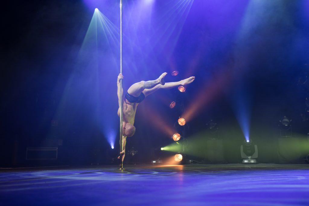 Photographe Pole Dance Pierre Jean Gamard 9ème Compétition Française de Pole Dance championnat champion spectacle show scène
