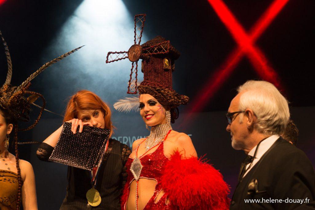 Moulin Rouge 21ème Concours Michel Dervyn tout en tresses hairstyle défilé lille grand palais coiffure coiffeur shampoo alexandre de paris vog mannequin