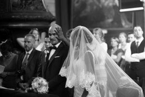 marié larme pleure