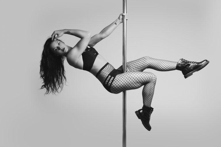 shooting pole dance séance photo laura mété pole circus nord