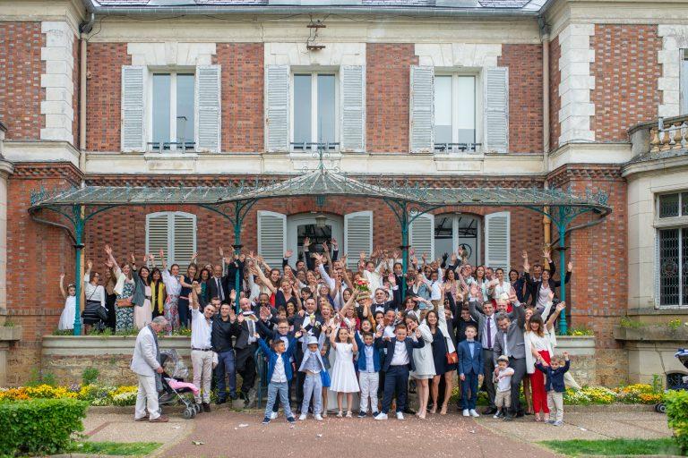 sortie mariage mairie hôtel de ville photog de groupe