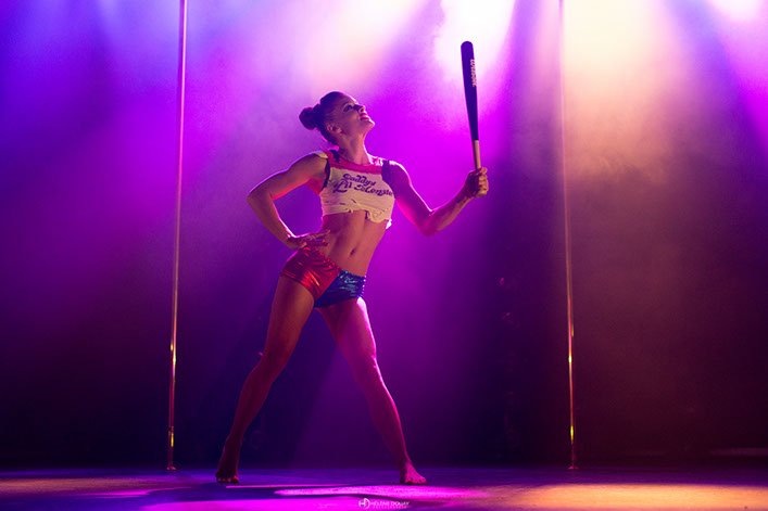 laura mété pole dance lady boo fort boyard ultimate beastmaster netflix ninja warrior