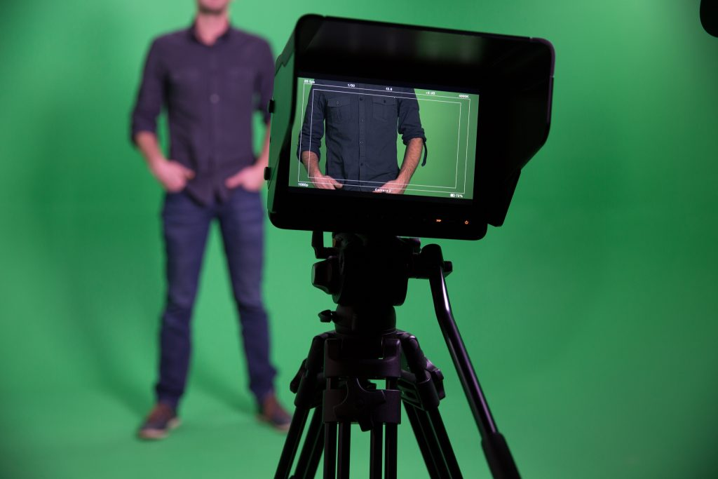 Vidéo corporate fond vert studio