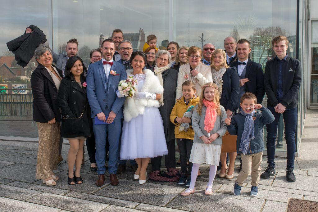 photo de groupe mariage mairie