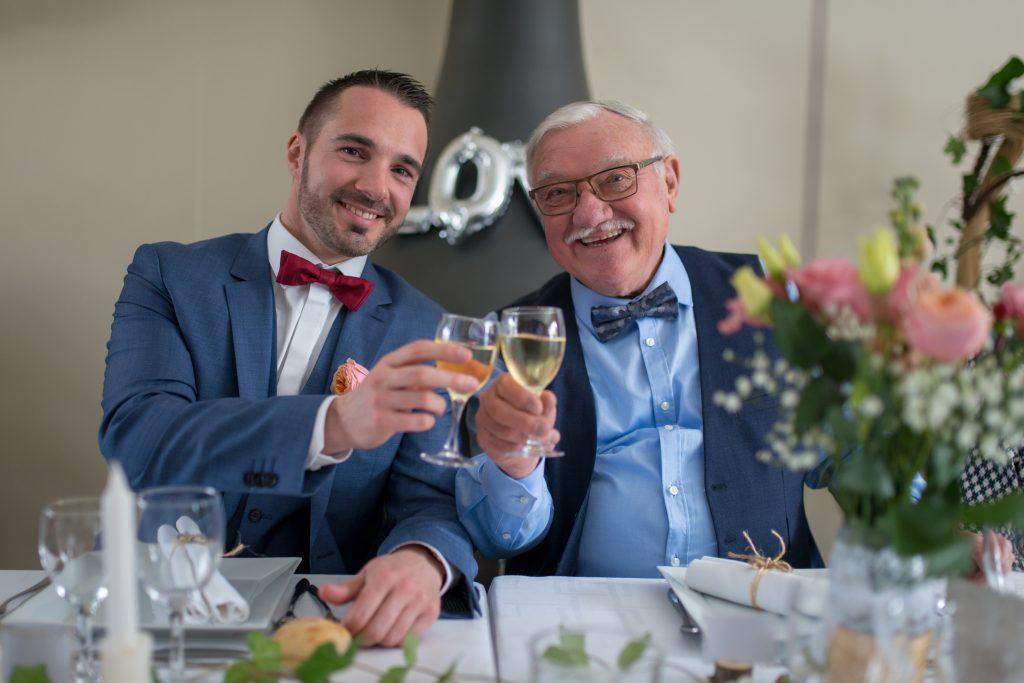 porter un toast à un mariage