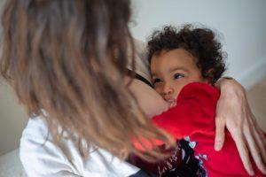 maternage portage allaitement