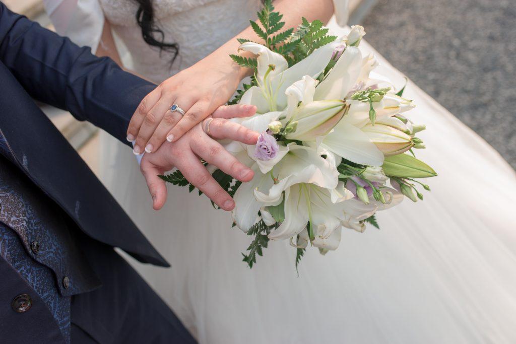 alliances mariage bouquet fleurs fleuriste