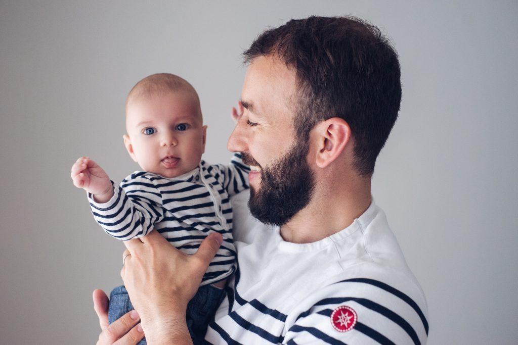 Shooting bébé 3 mois papa