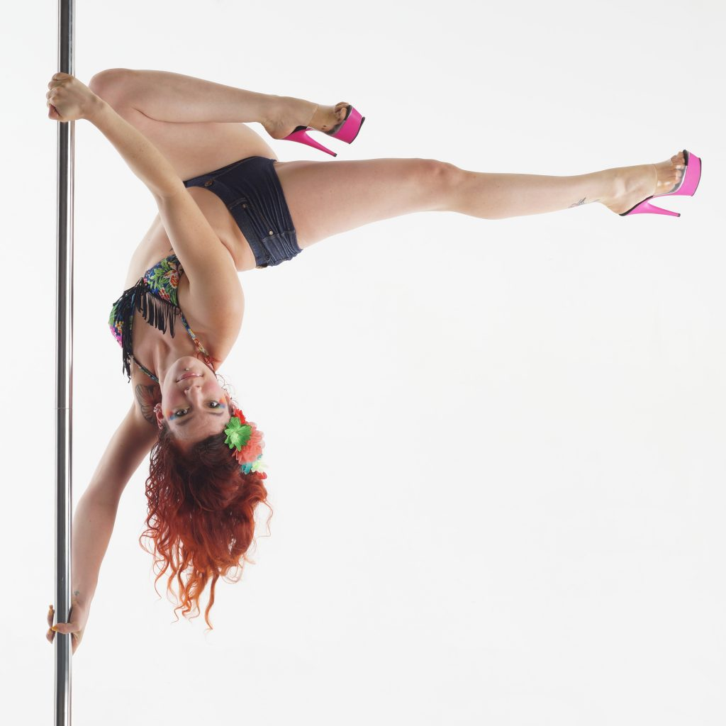 Pole dance lille tourcoing roubaix stef luha's pole