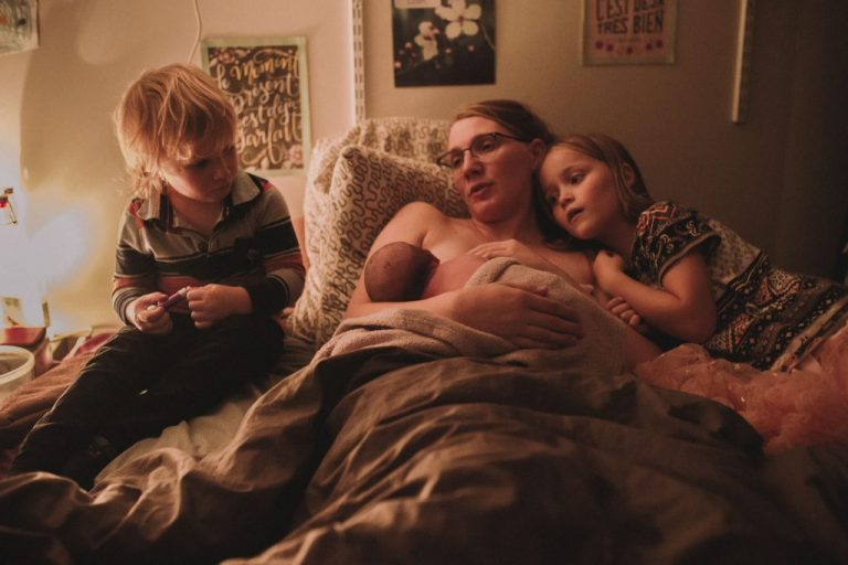 naissance chez soi accouchement à domicile enfant famille