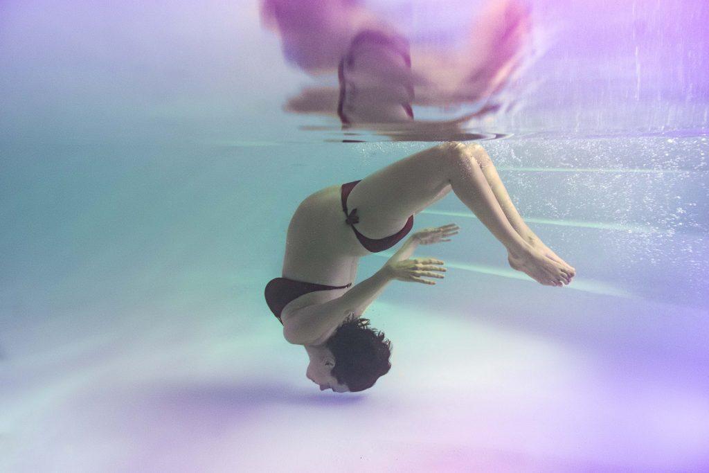 photographe grossesse piscine eau underwater lille nord