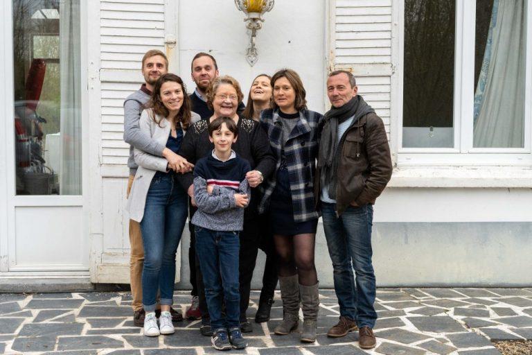 photo groupe famille domicile maison