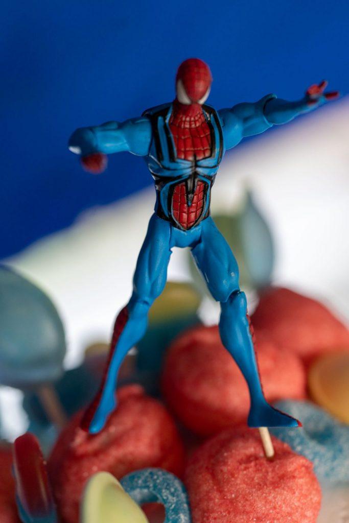 superheros gâteau anniversaire spiderman