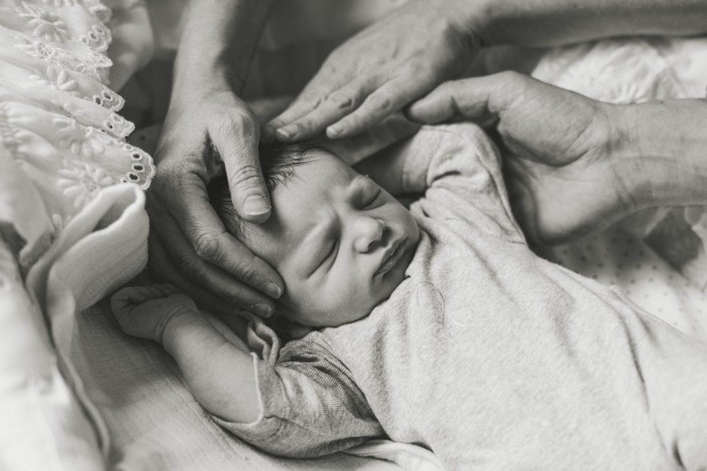 faire part naissance bébé nouveau-né photographe lille lifestyle