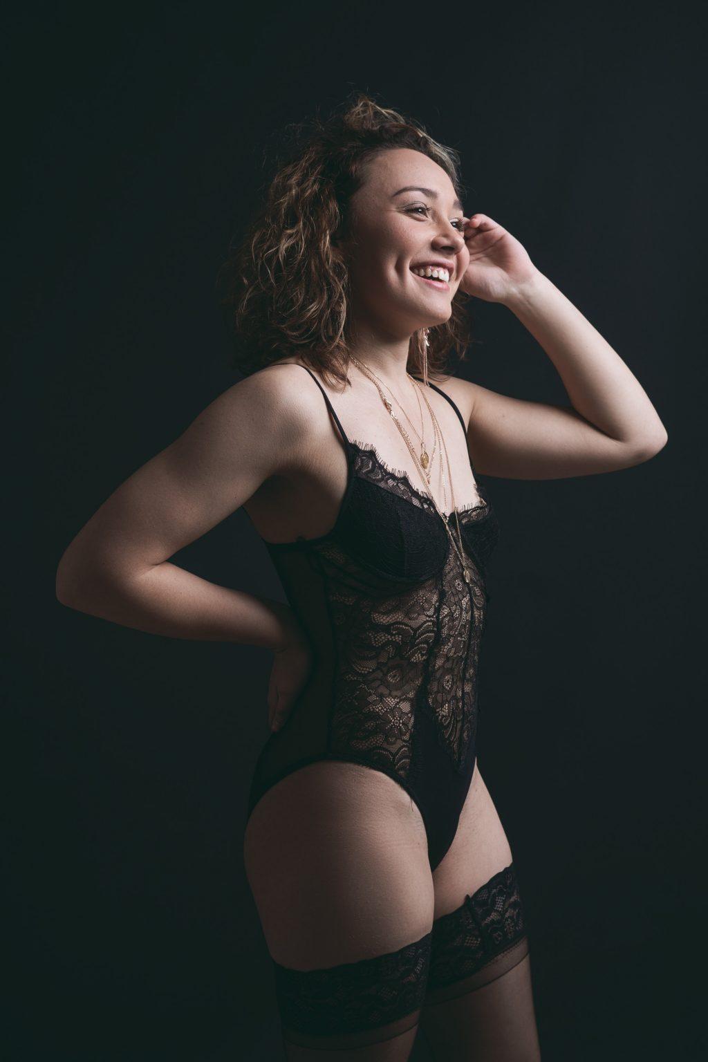 cancer sang studio fond noir lingerie