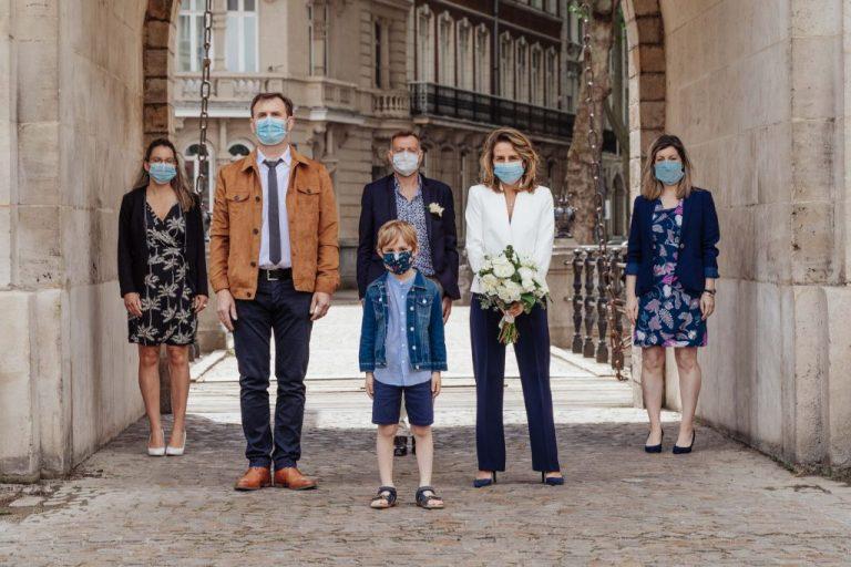 photographe mariage confiné à lille avec des masques